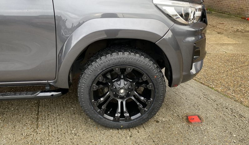 2019(19) DERANGED™ Toyota Hilux 2.4 D-4D Invincible X AT35 Auto full